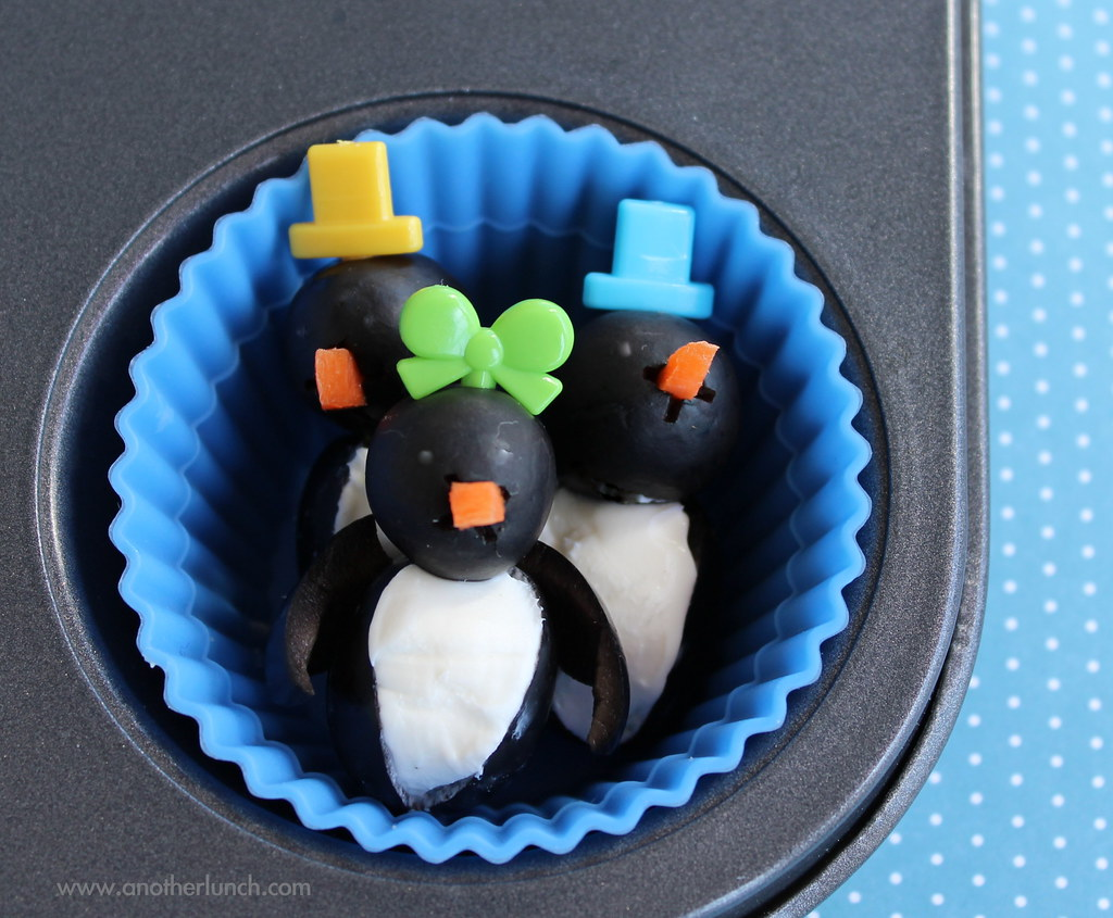 MONOLOGUE GAY PENGUINS